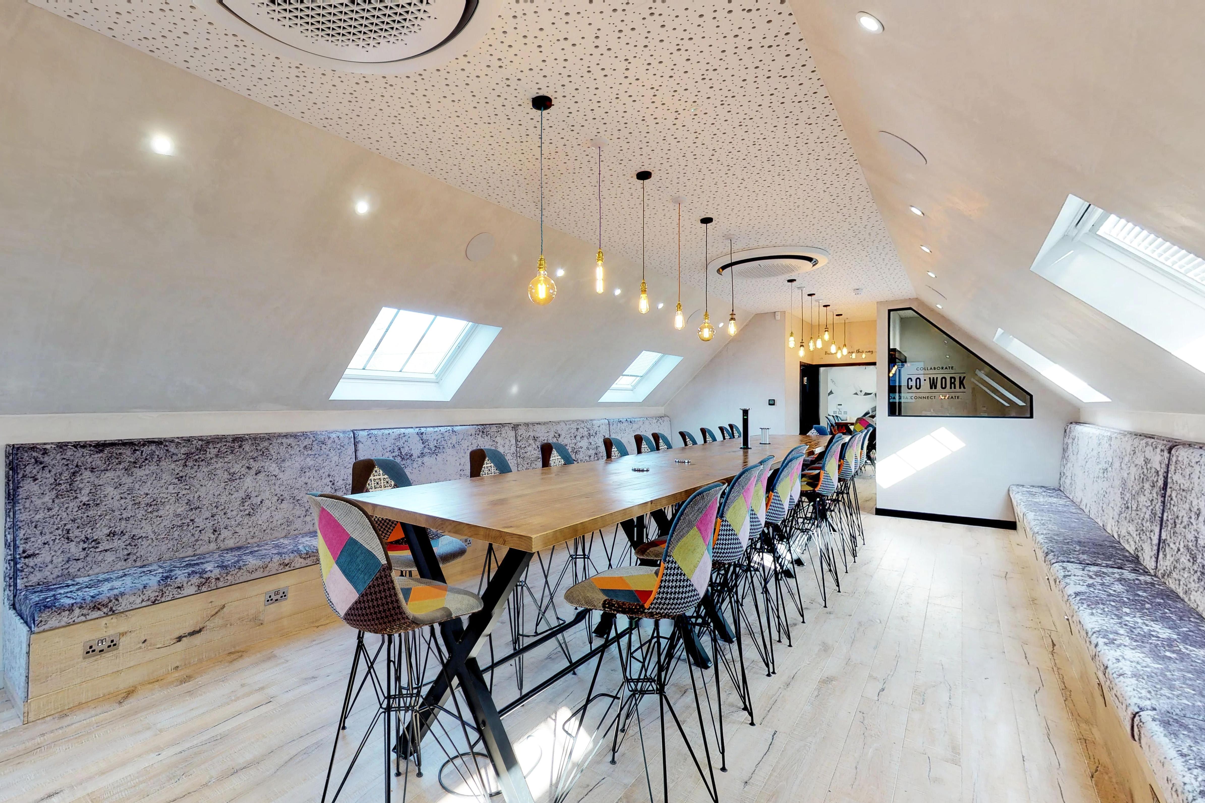 Virtual Office / Lounge
