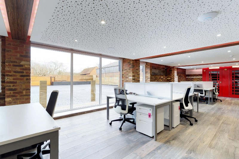 How can your business benefit from a serviced office space in Weybridge?